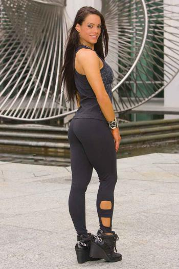 outtake-legging03.jpg