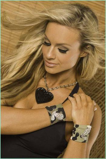 armybrazillacrystal-wristband02.jpg