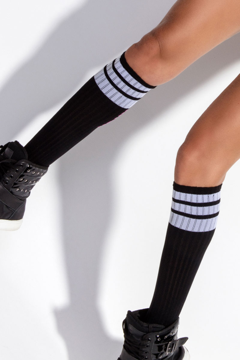 ebony-socks02