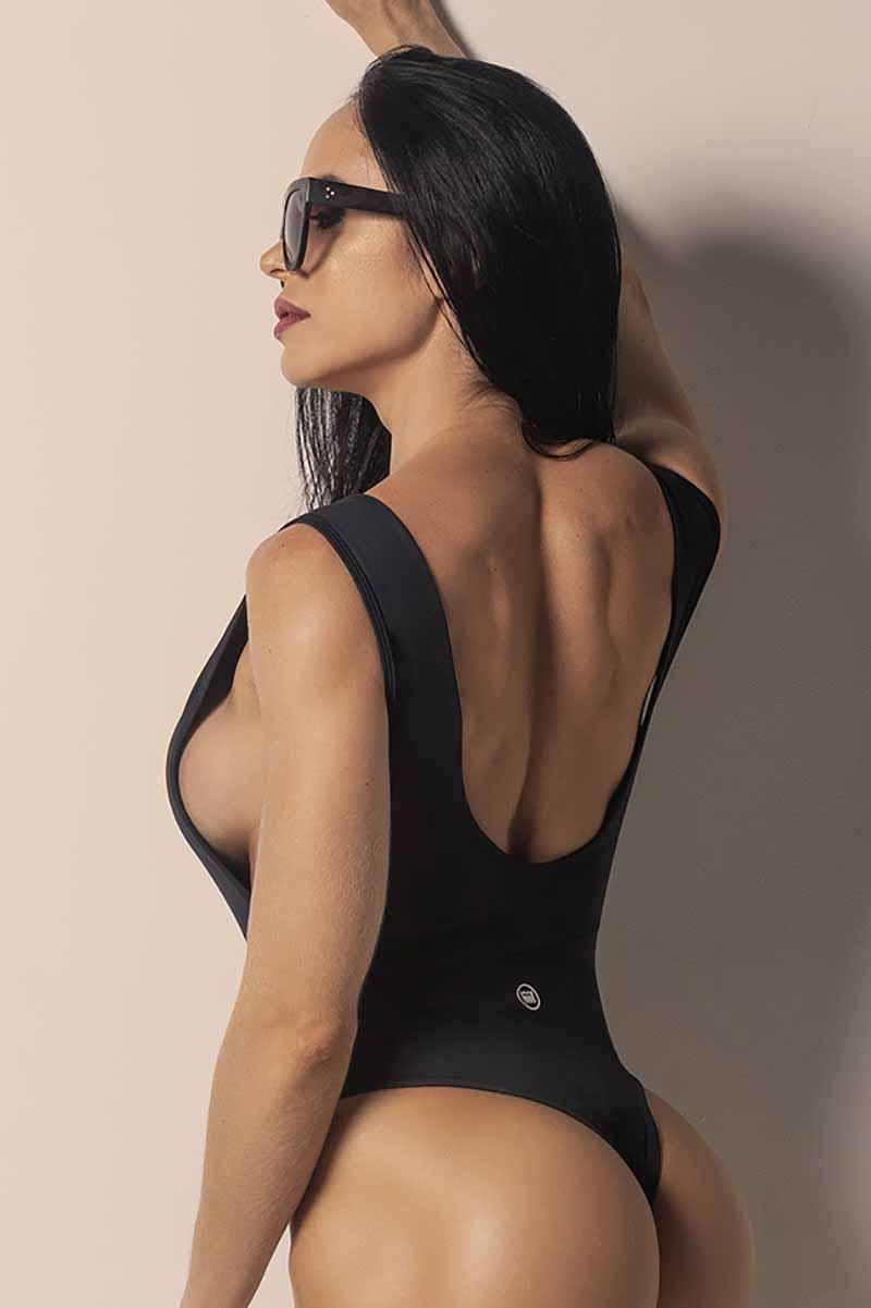 getzipped-bodysuit02