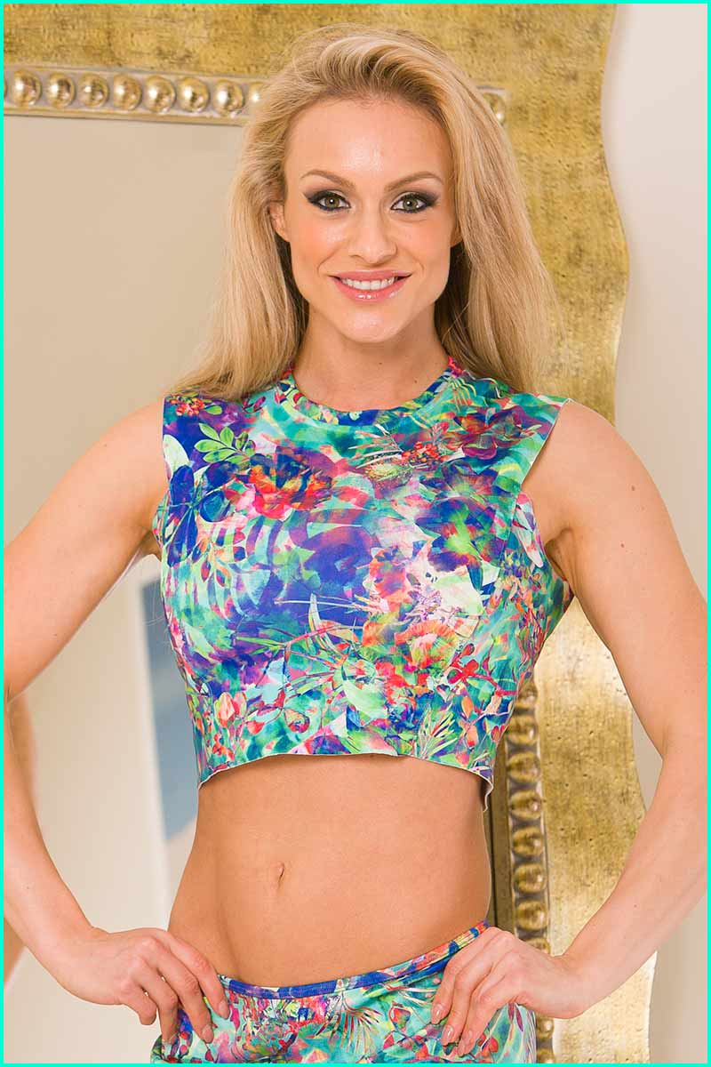 Alto Exotic Flower Cropped Top